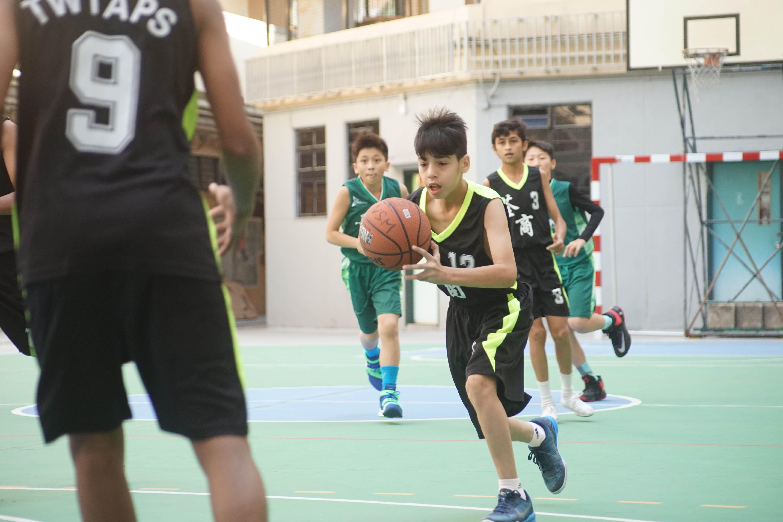 天主教慈幼會伍少梅中學的小學籃球賽相片19