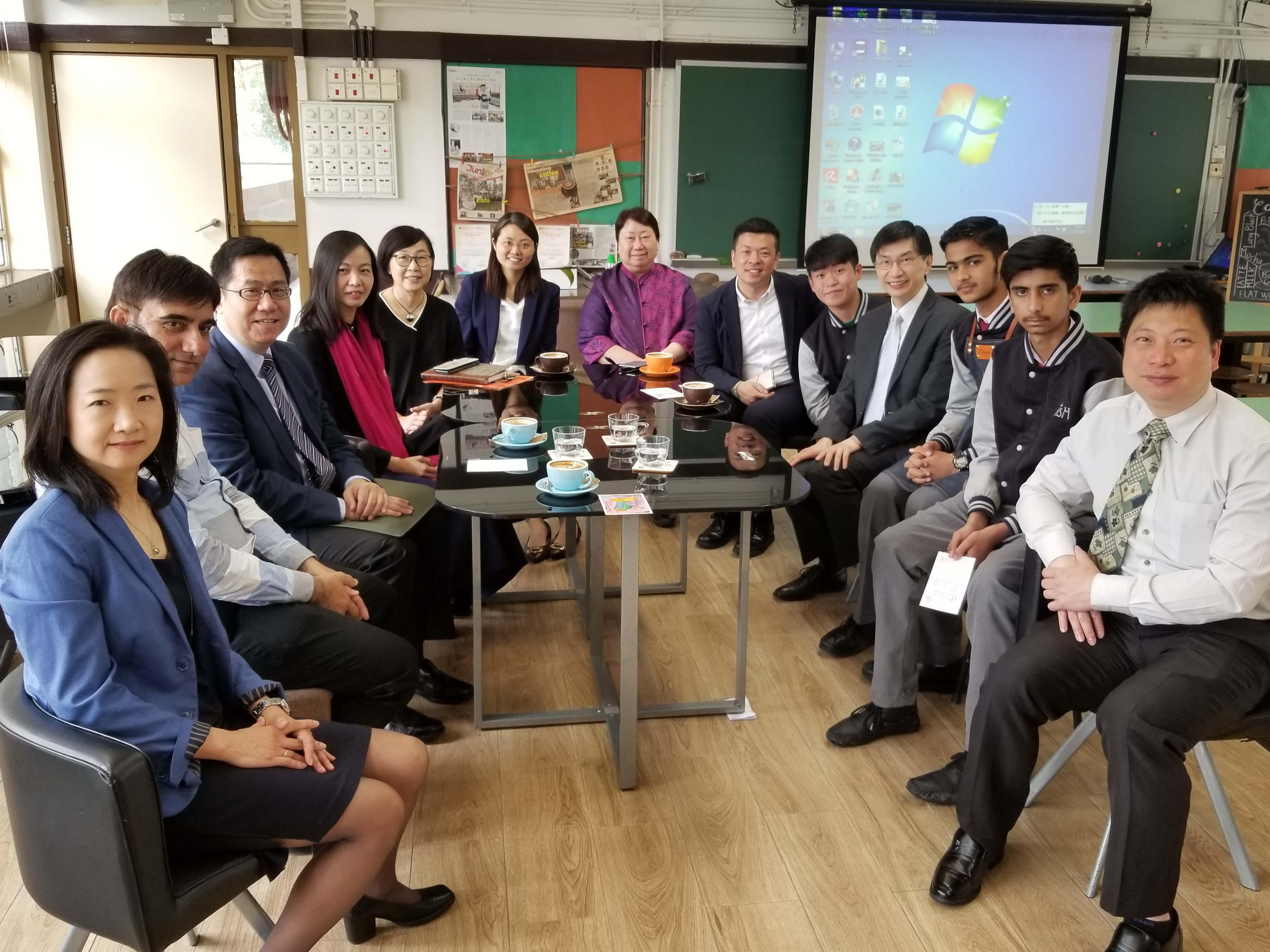 天主教慈幼會伍少梅中學的蔡海偉先生來訪相片5