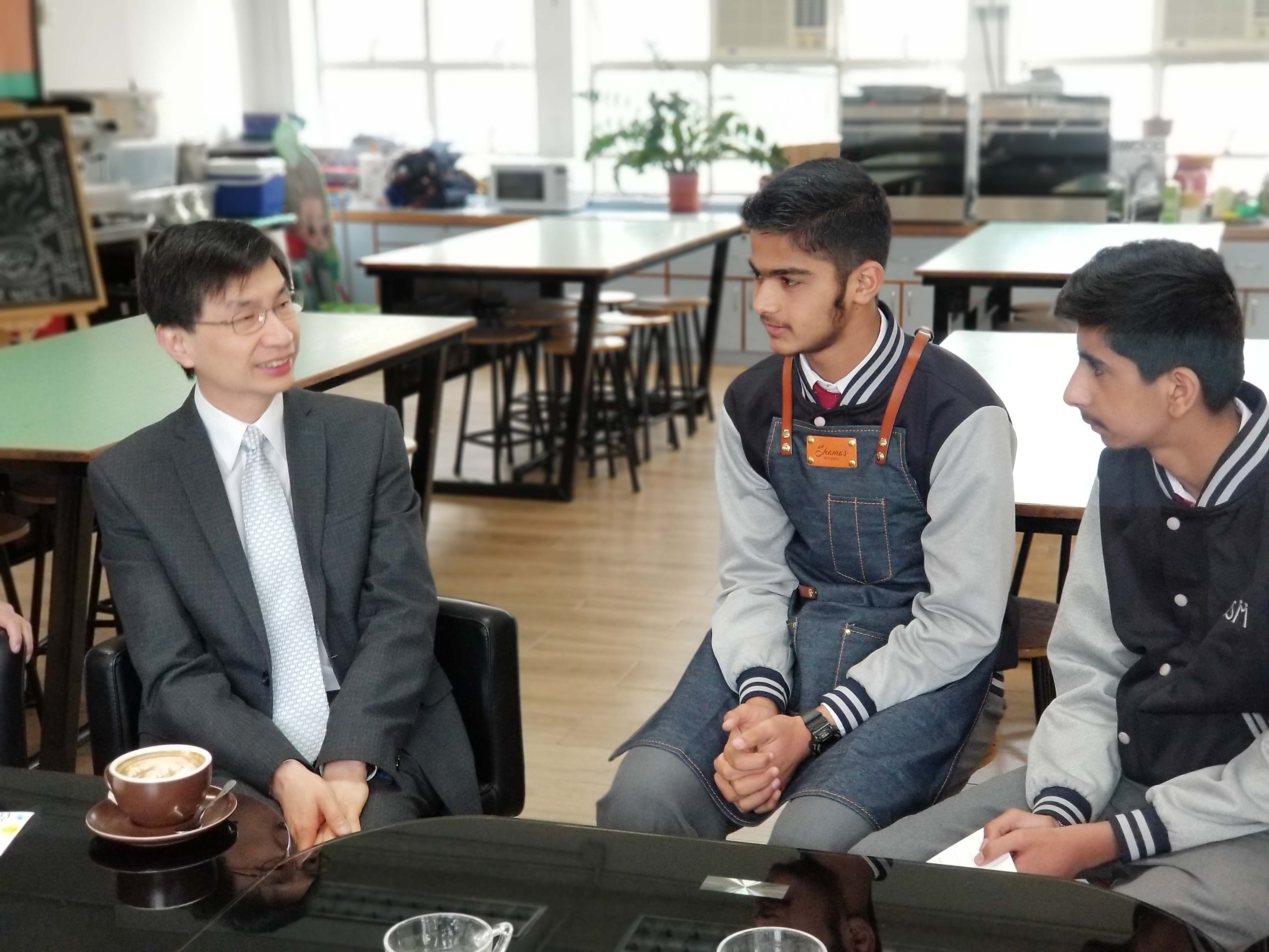 蔡海偉先生來訪的相片